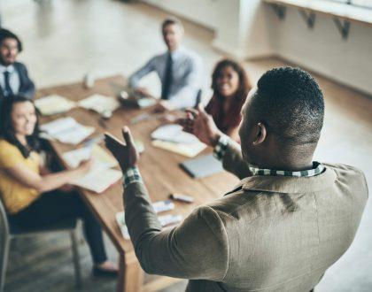 9 dicas de como iniciar um discurso formal e engajar colaboradores