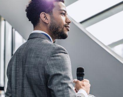 Técnica de ancoragem: saiba o que é e como pode ajudar na oratória