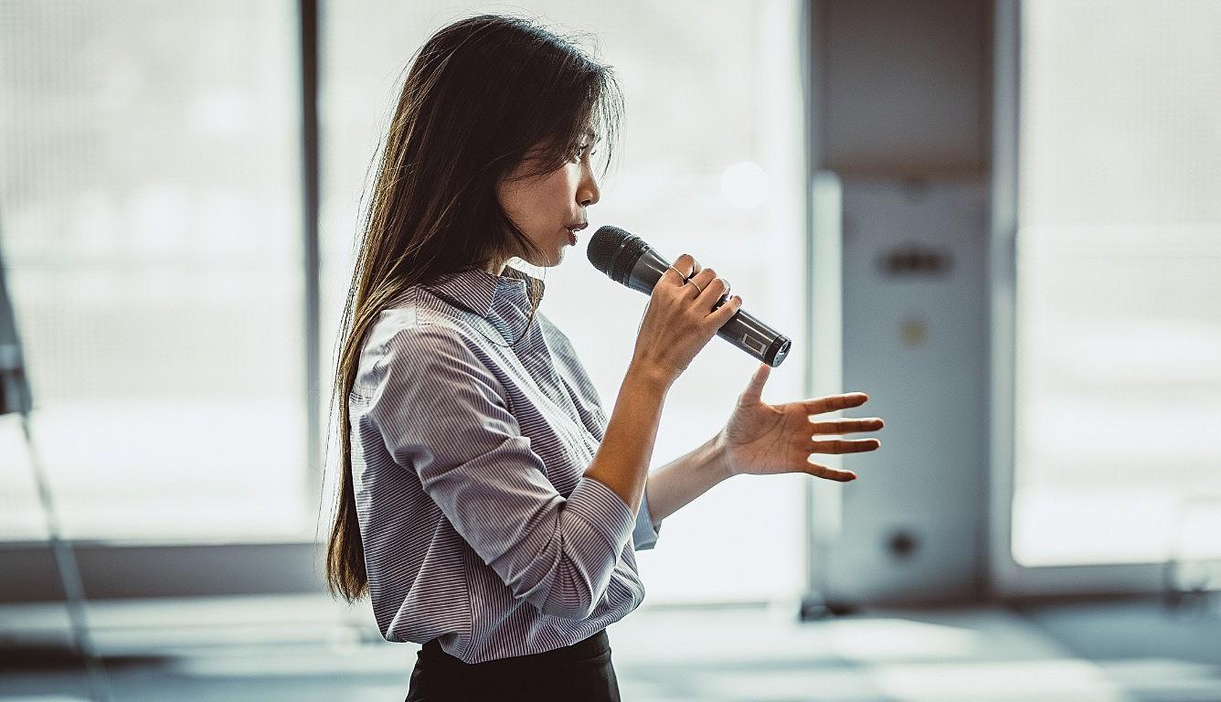 como usar a voz